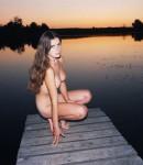 golye-devushki-na-prirode-04