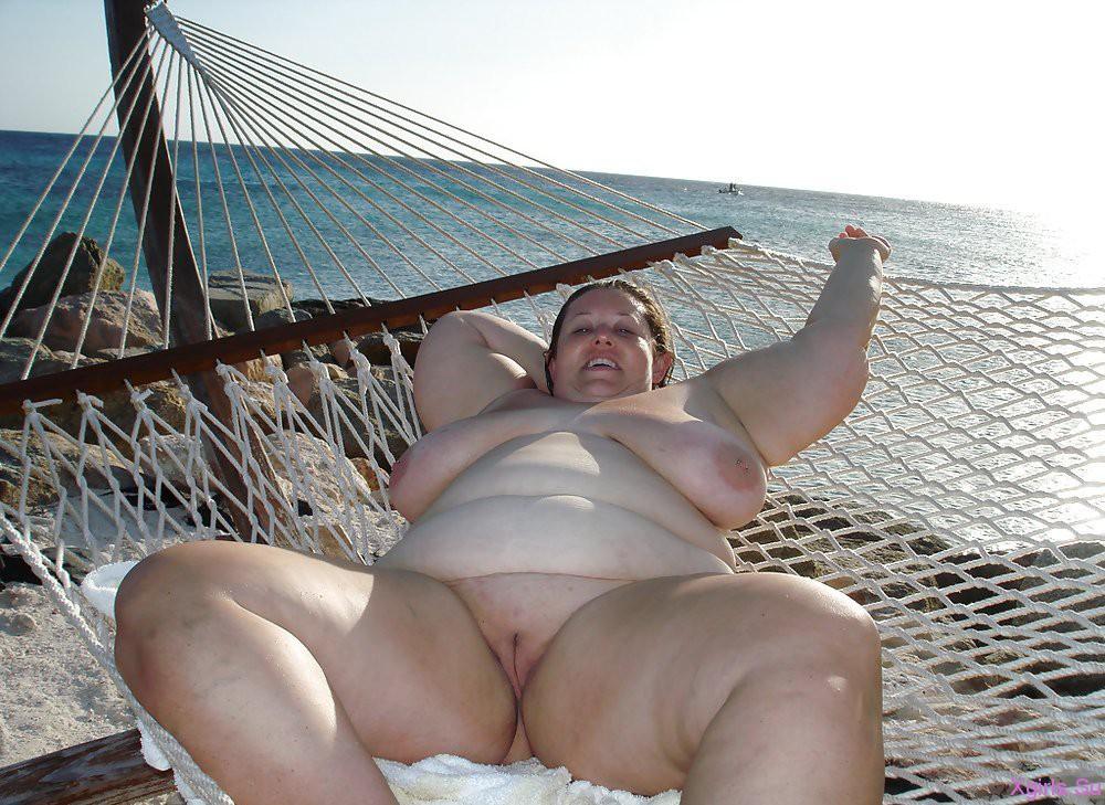 толстые женщины на пляже видео порно