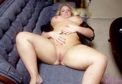 Толстые голые женщины в самых разных позах и местах