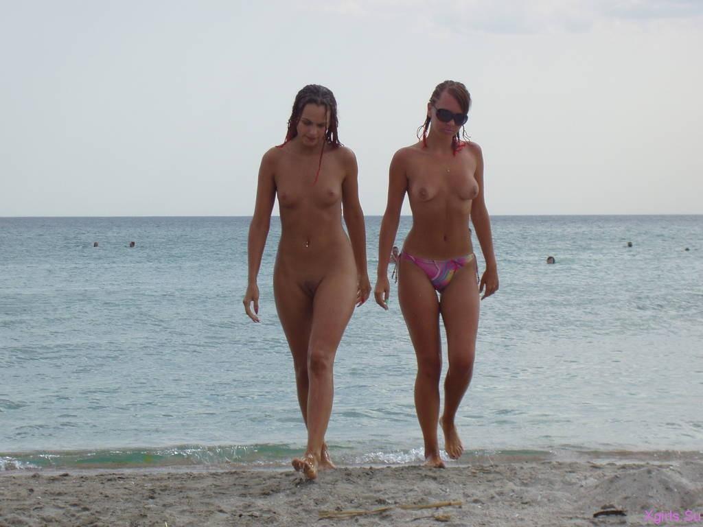 Телки казантипа голые 24 фотография
