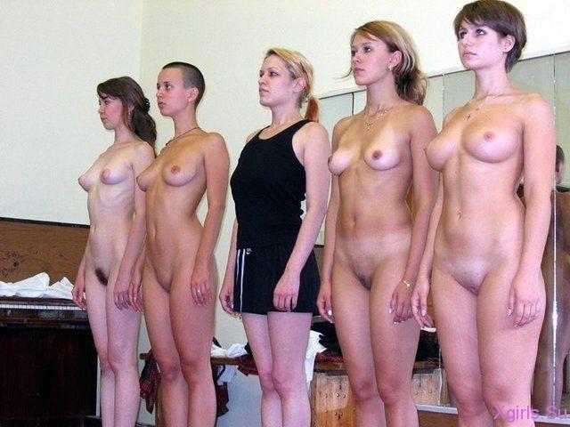 Много Голых Девок Сразу Фото