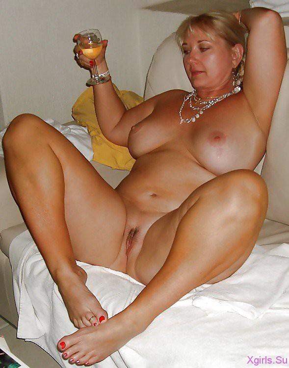 porno-golie-zrelie-devushki