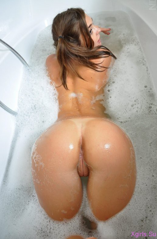 фото женщина с голой попой раком в ванной бесплатно