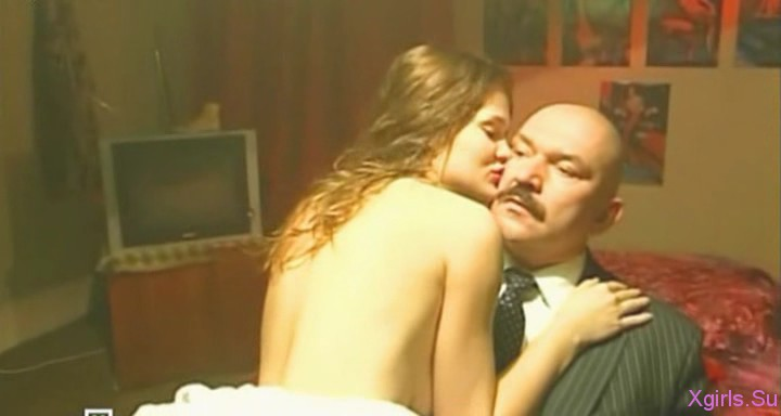 erotika-golie-devushki-i-golie-muzhiki-video