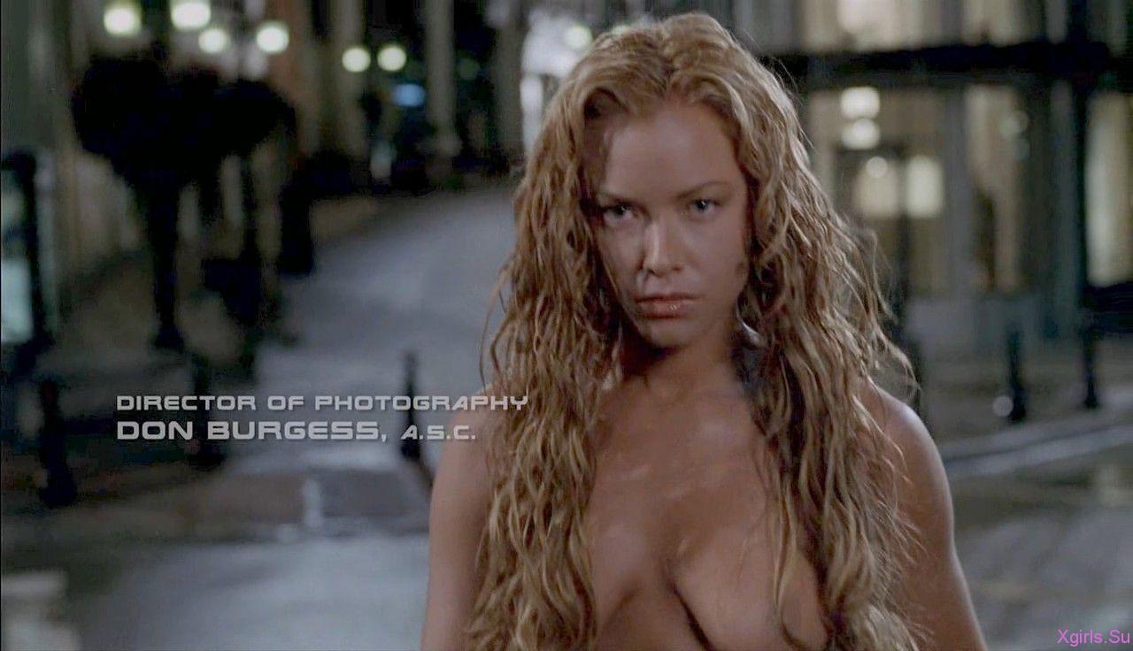 amateur latin women naked