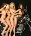 golye-devushki-na-motociklax-41