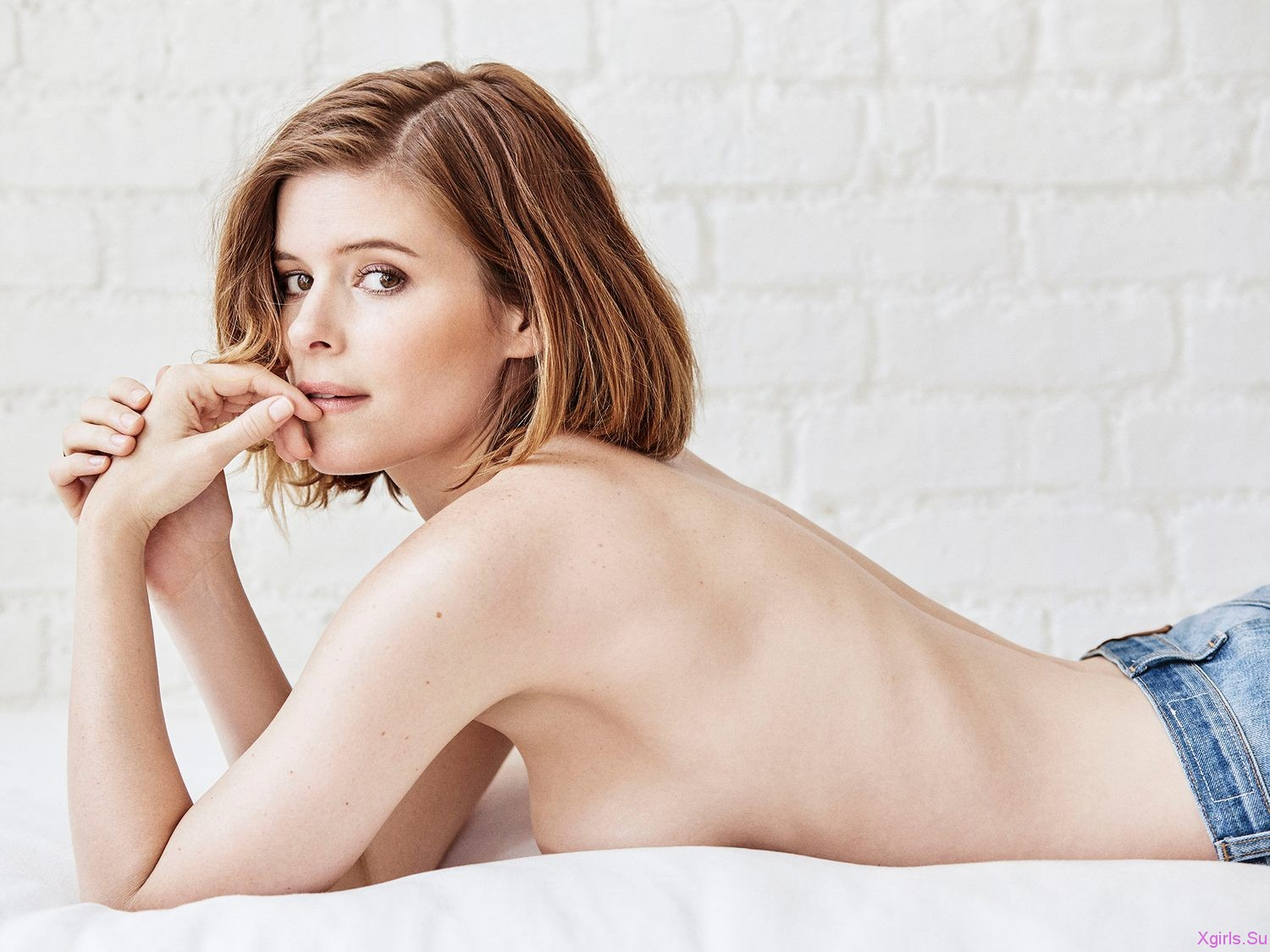 Kate Mara Nude Topless And Lesbian Sex With Ellen Page