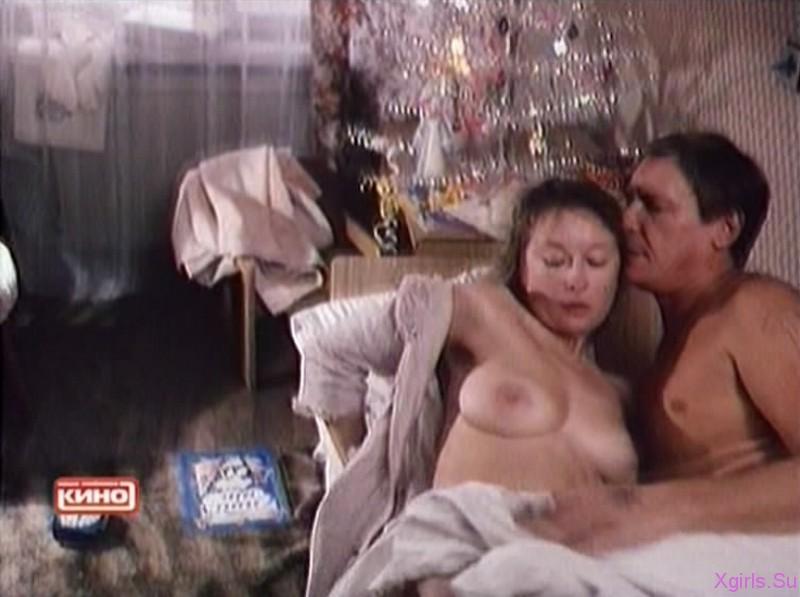 aktrisa-v-eroticheskoy-stsene
